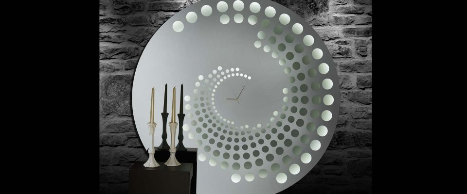 Illuminated mirror clock