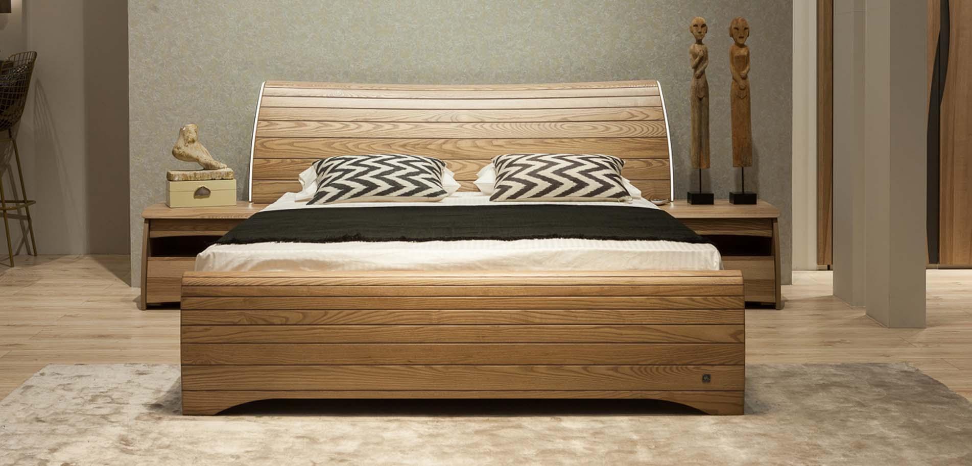 Danai join κρεβάτι