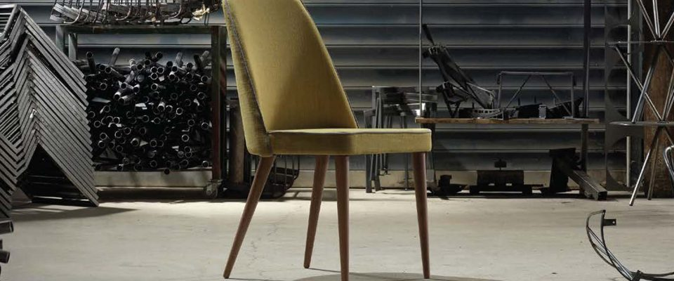 Dining chair with wooden base