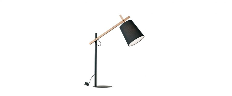 Table lamp with wooden details